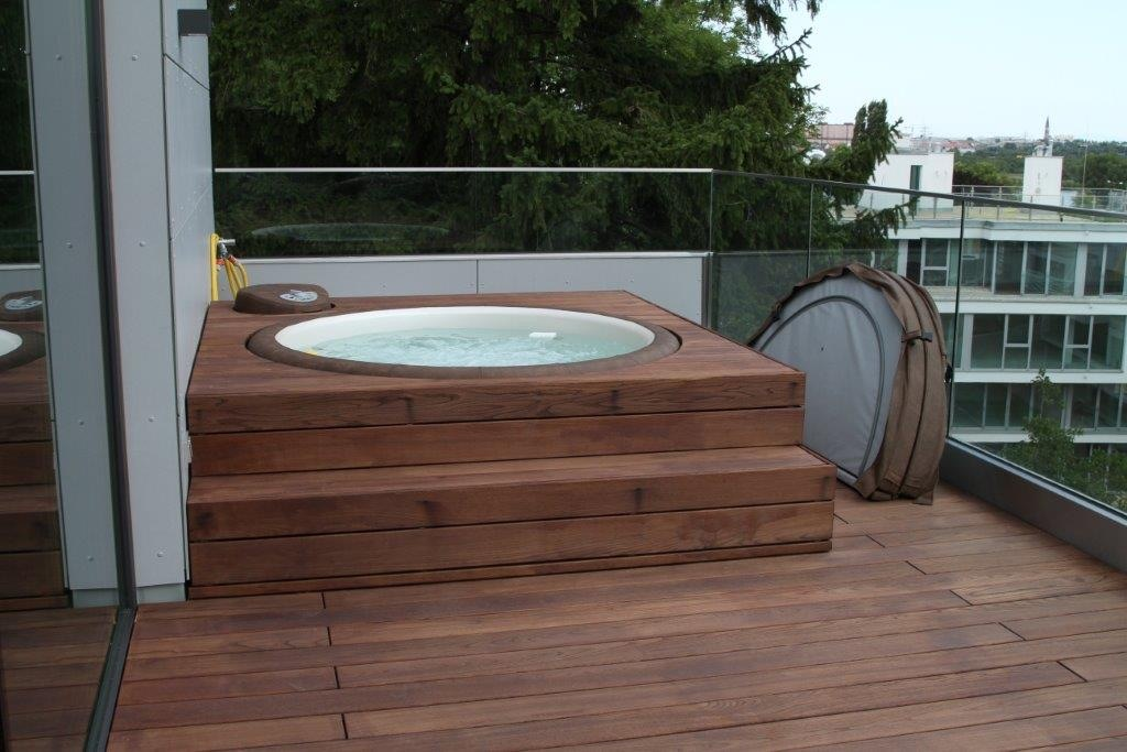 Softub hot tub in decking structure